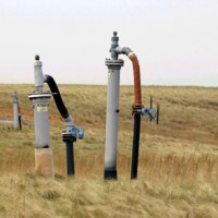 alt Pipes extracting gas from waste